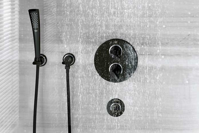 colone de douche design